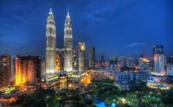 البرجين التوأم (برجي بتروناس) - في ماليزيا